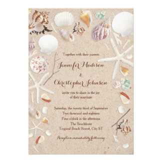 Seashells y estrellas de mar en el boda de playa