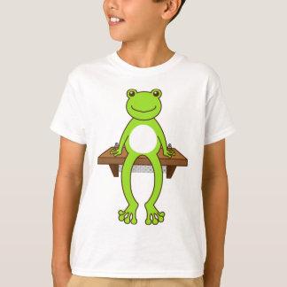 < Seat frog >Sitting frog T-Shirt