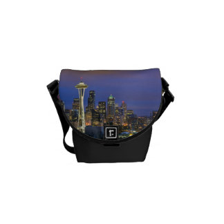 Seattle seen from Kerry Park in Queen Anne Courier Bag