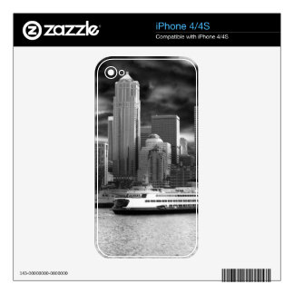 seattle skyline black and white skin for the iPhone 4