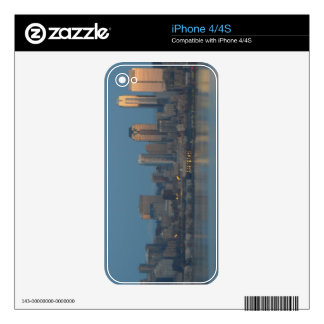 Seattle skyline skins for the iPhone 4