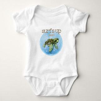 Seaturtle surfer boy - baby baby bodysuit