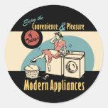 Secador retro de la lavadora del ama de casa pegatinas redondas