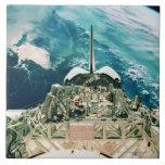 Sección de cola del transbordador espacial azulejo cuadrado grande