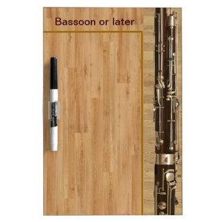 Secciones del Bassoon en el efecto de madera Pizarras Blancas De Calidad