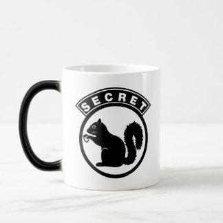 Secret Squirrel 11 Oz Magic Heat Color-Changing Coffee Mug