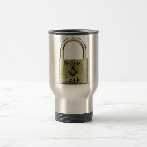 Secretos dentro de la taza inoxidable