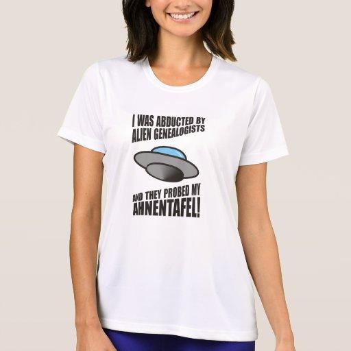 Secuestrado por los Genealogists extranjeros Camisetas