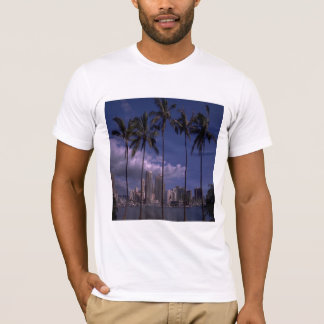See the city through the palms, t-shirt