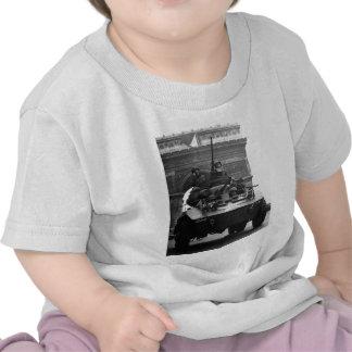Segunda Guerra Mundial del coche de explorador Camisetas