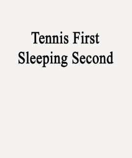 Segundo primero el dormir del tenis t-shirt