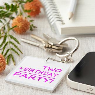 Segundos cumpleaños divertidos: Dos + Cumpleaños = Llavero Cuadrado Acrílico A Una Cara