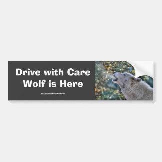 Seguridad blanca de la foto de la fauna del lobo g etiqueta de parachoque