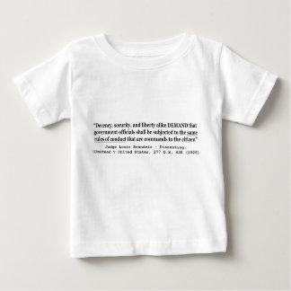 Seguridad de la decencia y juez Louis Brandeis de Tshirts