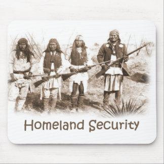 Seguridad de patria Apache Alfombrillas De Ratón
