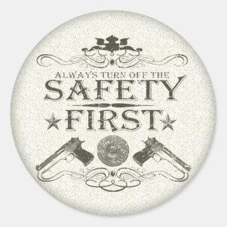 Seguridad primero pegatina redonda