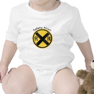 Seguridad primero traje de bebé