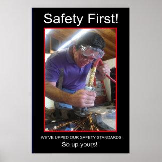 Seguridad primero póster