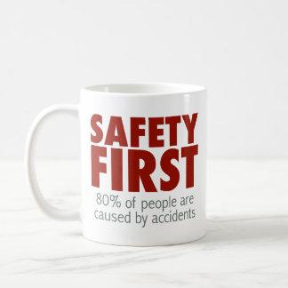 ¡Seguridad primero! Taza Clásica