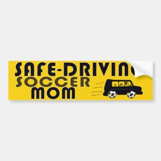 Seguro-Conducción de la mamá del fútbol Pegatina De Parachoque