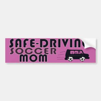 Seguro-Conducción de la mamá del fútbol Etiqueta De Parachoque