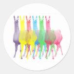 seis lamas en seis colores de la llama pegatinas redondas