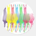 seis lamas en seis colores de la llama pegatina redonda