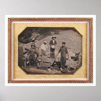 Seis mineros con el eje de balancín, carretillas d posters