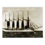 Seis naves de madera masted tarjetas postales