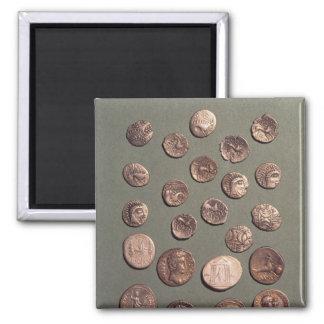 Selección céltica y monedas romanas encontradas imán cuadrado