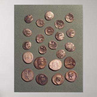 Selección céltica y monedas romanas encontradas póster