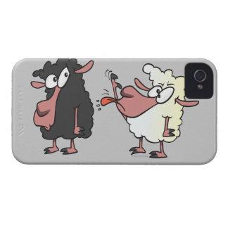 selección en el dibujo animado de las ovejas negra iPhone 4 Case-Mate cárcasa