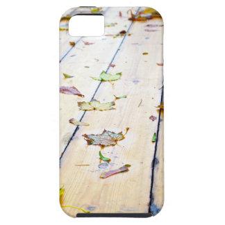 Selective focus on wet fallen autumn maple leaves iPhone SE/5/5s case