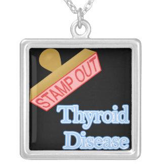 Selle hacia fuera la enfermedad de tiroides colgante cuadrado