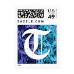 Sello azul de los rosas de la letra T del monogram