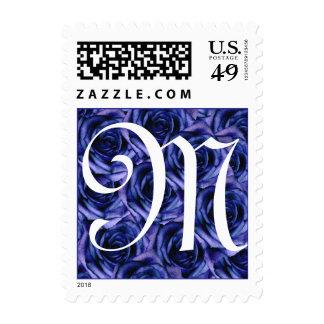 Sello azul marino de los rosas de la letra M del m