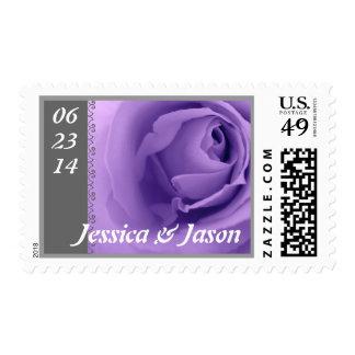 Sello color de rosa púrpura y gris de la novia y d