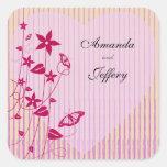 Sello cuadrado |Pink del sobre y mariposa roja de Pegatina Cuadrada
