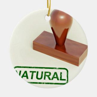 Sello de goma produciendo la palabra natural adorno redondo de cerámica
