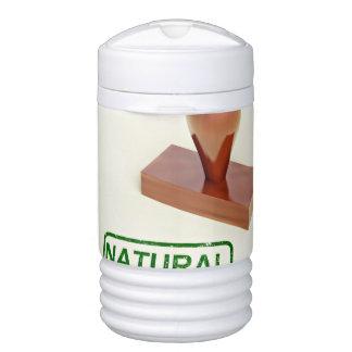 Sello de goma produciendo la palabra natural vaso enfriador igloo