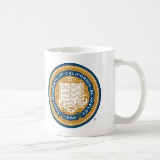 Sello de la escuela de Uc Berkeley - oro y azul Taza Básica Blanca