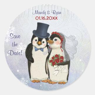 Sello del boda del pingüino - ahorre la fecha pegatinas redondas