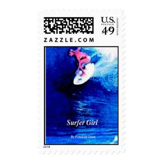 sello del chica de la persona que practica surf