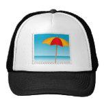 Sello del paraguas, de la playa y del océano gorras de camionero