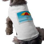 Sello del paraguas, de la playa y del océano ropa de mascota