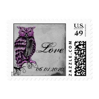 Sello elegante del búho gótico púrpura