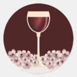 Sello elegante del sobre del vino rojo y del flor pegatina redonda