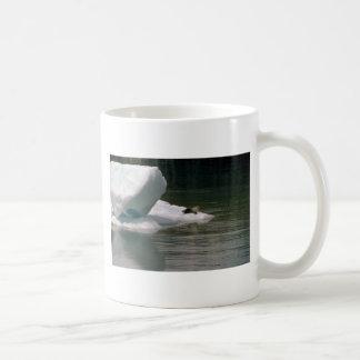 Sello en flujo del hielo taza básica blanca