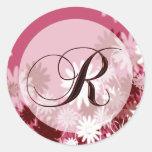 Sello floral caprichoso del sobre del monograma R Etiqueta Redonda