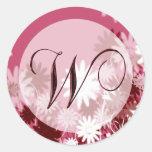 Sello floral caprichoso del sobre del monograma W Pegatina Redonda